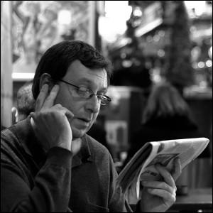 le-lecteur-du-cafe-parisien